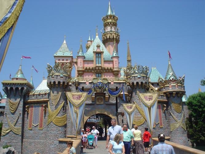 Disneyland, Castillo de Cenicienta.jpg
